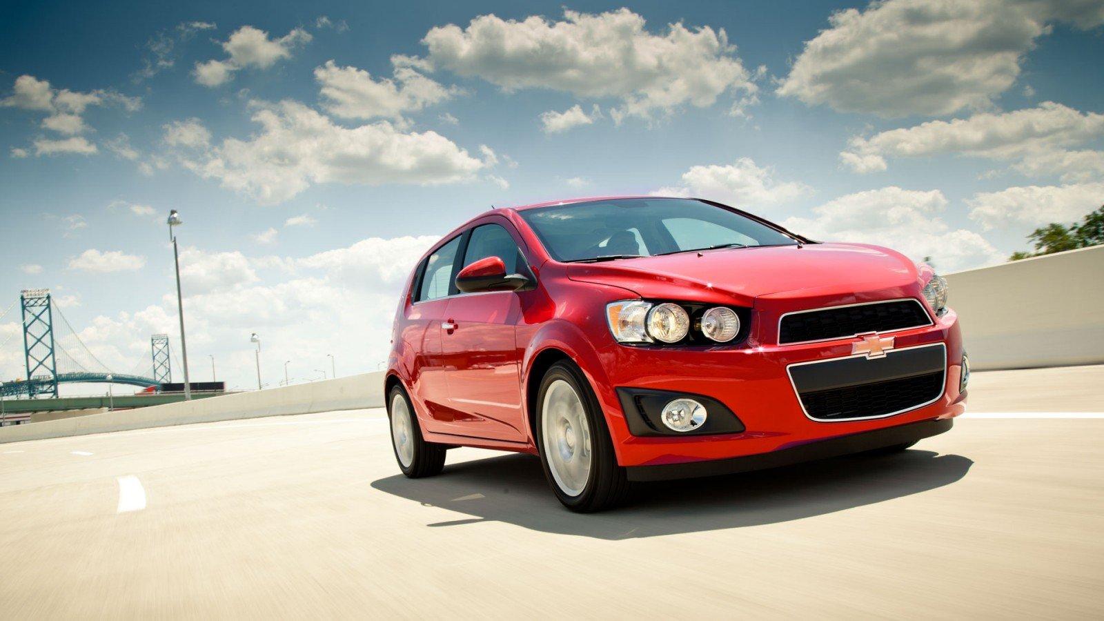 Chevrolet Sonic Repair Manual: Rear Side Door Replacement