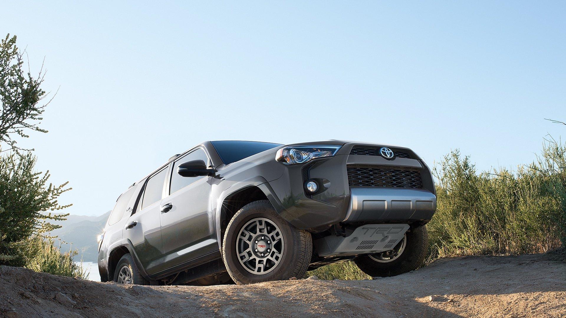 Toyota 4Runner Price & Lease fer Jeff Wyler