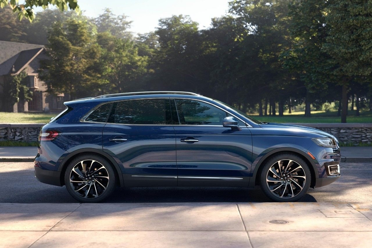 New Lincoln Nautilus Lease Deals and Offers in Salina KS