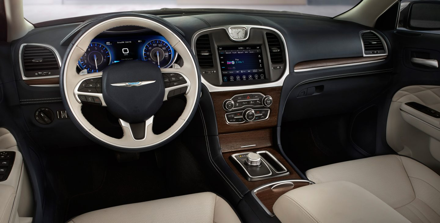 new-chrysler-300-interior-features