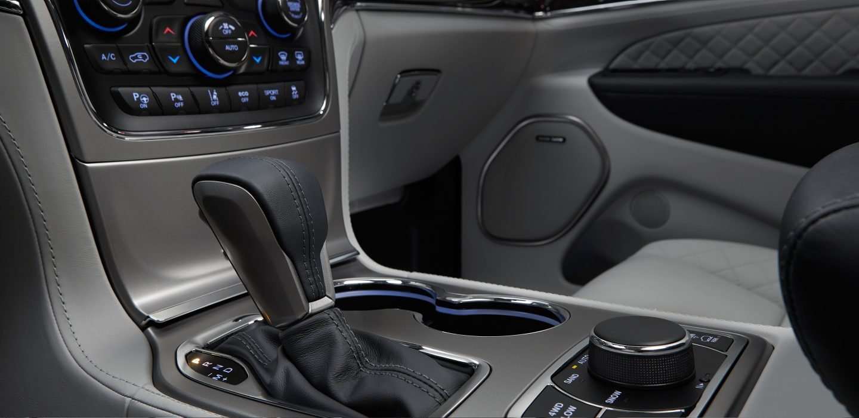 New Jeep Grand Cherokee Interior Image 2